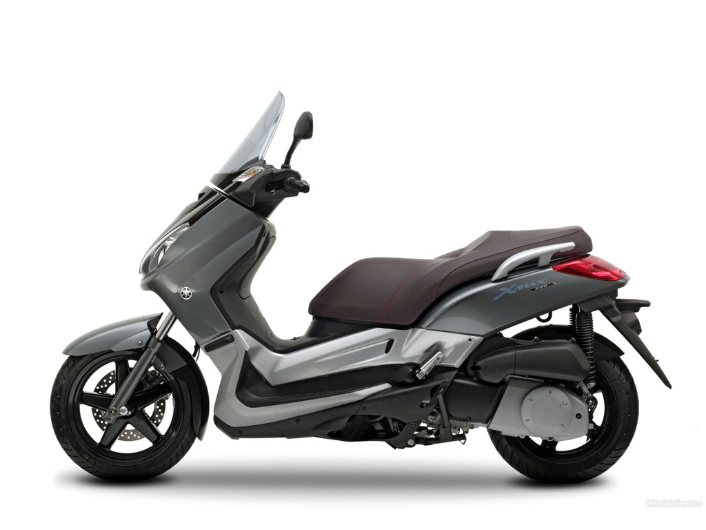 Yamaha x max 250 sports my 2011 car interior design for Ecksofa 250 x 250