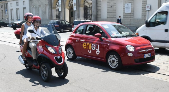 """Η εξάπλωση του φαινομένου είναι γεγονός Άλλη μια ευρωπαϊκή μεγαλούπολη κάνει το ντεμπούτο της στις υπηρεσίες του """"scooter sharing"""" μέσω […]"""