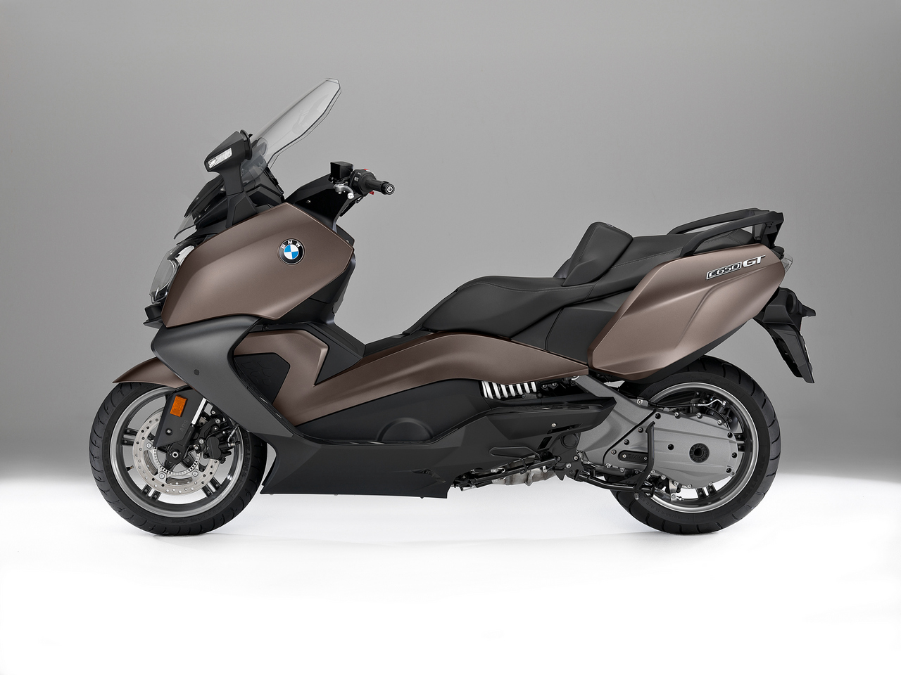 bmw c650 sport c650 gt 2016 video scooternet. Black Bedroom Furniture Sets. Home Design Ideas