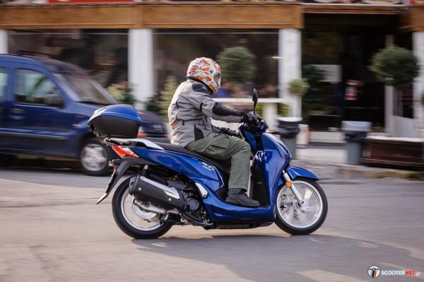 Honda SH300i _-_0090