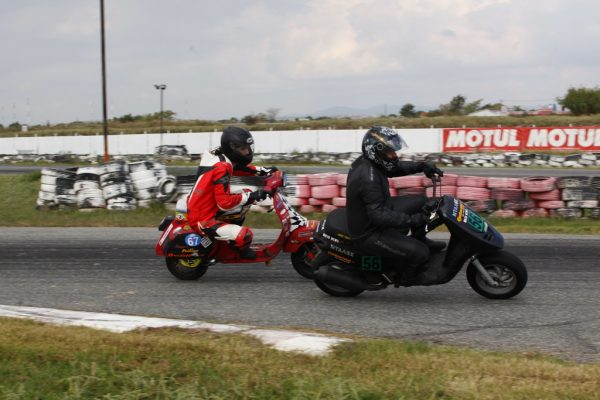 scooter_racing_2