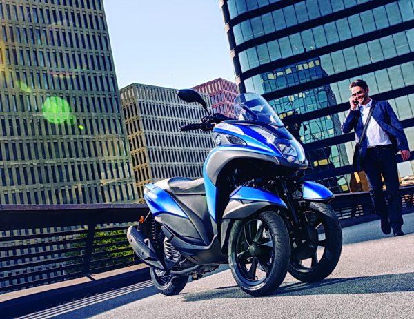2016-yamaha-tricity-155-eu-cyber-blue-static-003