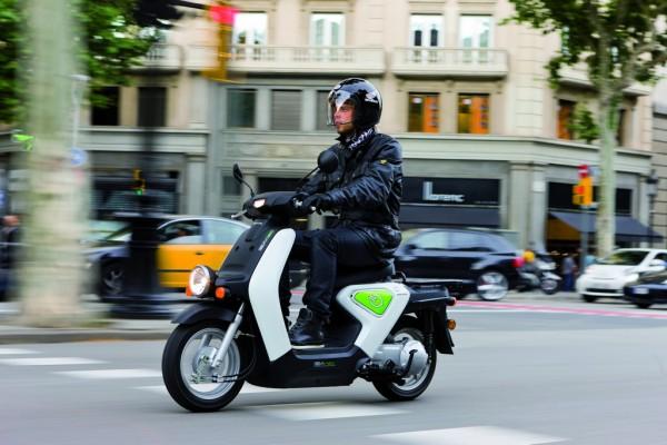 Οι πρώτοι τυχεροί στην Ευρώπη που θα οδηγήσουν EV-neo είναι οι δημοτικοί υπάλληλοι της Βαρκελώνης...