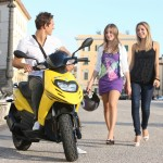 AΦΙΕΡΩΜΑ: 50άρια SCOOTER, ΕΠΙ ΠΕΝΤΕ!