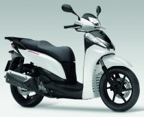 ΜΟΝΤΕΛΟ 2012: ΗΟΝDA SH 300i R ABS