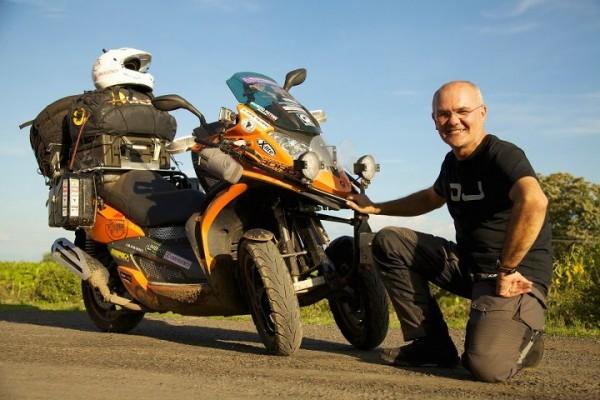 Αυτός είναι ο Maurizio Pistore, ο ταξιδευτής των 5 Ηπείρων...