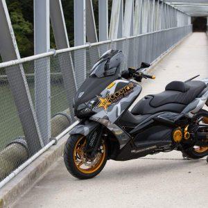 YAMAHA TMAX 530: BADAN MOTOS