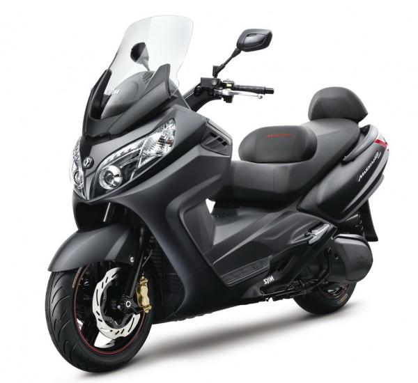 Το SYM Maxsym 600i ABS σε μαύρο ματ