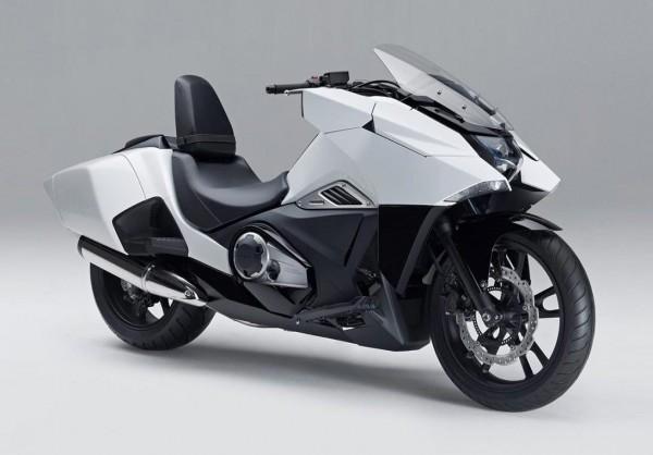 Να και το Honda NM4 concept με ενσωματωμένες πλαϊνές βαλίτσες