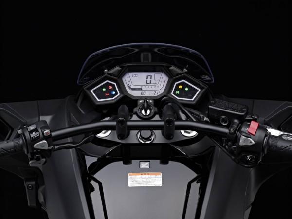"""Τιμόνι """"μπάρα"""" από cruiser-custom και όργανα ψηφιακά-συμμετρικά"""