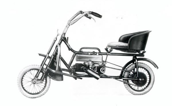 Το DKW Golem, του 1921, με κινητήρα 117 κυβικών ήταν το πρώτο δίτροχο με κινητήρα της DKW