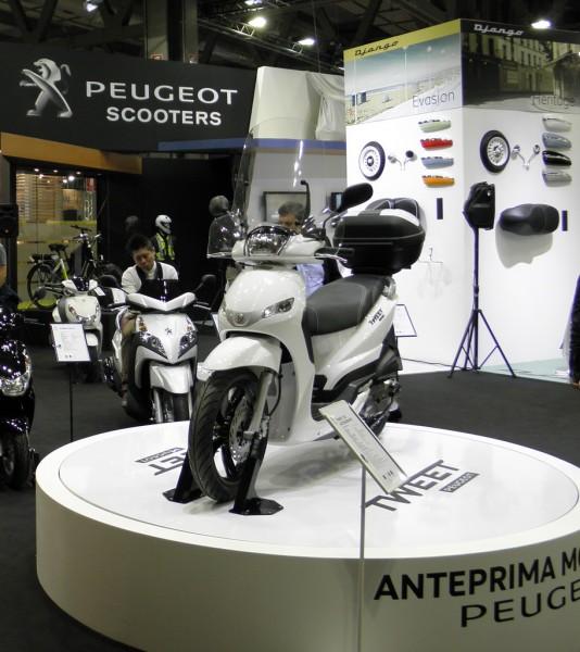 To Peugeot Tweet Evo παρουσιάστηκε στο σαλόνι του Μιλάνο EICMA 2013