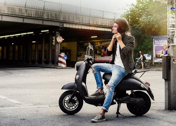 unu-lo-scooter-elettrico-presskit-intermot-2014-imagepic-2