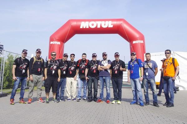 Η αποστολή της Motul στο Sachsenring. Συνεργάτες της εταιρίας, δημοσιογράφοι, νικητές διαγωνισμών όλοι μαζί στη μεγάλη γιορτή