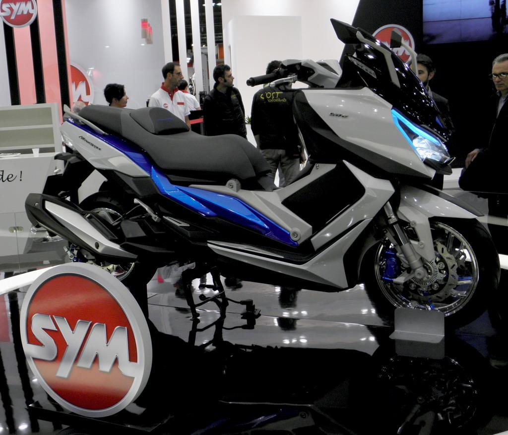 SYM MAXSYM 500 Project, 2016: Μια ντίβα στο Μιλάνο - SCOOTERNET