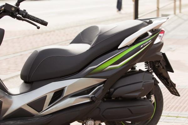 Kawasaki-J125_3