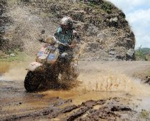 MONSOON SCOOTER RALLY: Ραλί με σκούτερ στο χώμα