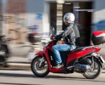 ΣΥΜΒΟΥΛΕΣ: Οδηγώντας σκούτερ στην Ελλάδα