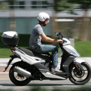 ΣΥΜΒΟΥΛΕΣ: Οδηγώντας αργά μέσα στην πόλη