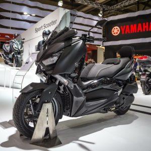 YAMAHA XMAX: Νέα 300 και 400 Iron Max