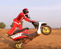 VIDEO: Ο Άγιος Βασίλης… από την Ινδία;