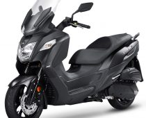 """SYM JOYMAX Z 300: Το """"λογικό"""" scooter"""