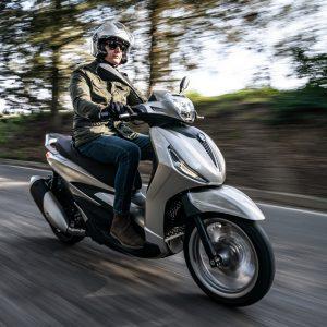 PIAGGIO ΒEVERLY 300 hpe Euro 5 2021: Πλήρης Παρουσίαση και ανακοίνωση τιμής