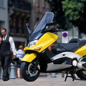 ΑΦΙΕΡΩΜΑ: Είκοσι χρόνια Yamaha T-MAX (2001-2021)