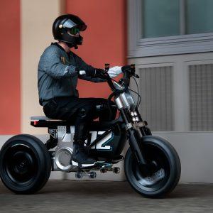 BMW Concept CE 02: Μην είναι σκούτερ, μην είναι μοτοσυκλετάκι;
